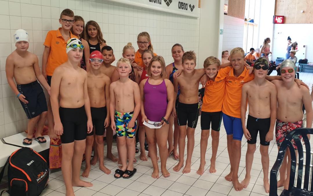 Eerste zwemwedstrijd van het seizoen